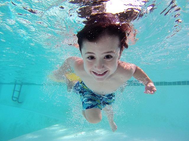 plavat hluboko