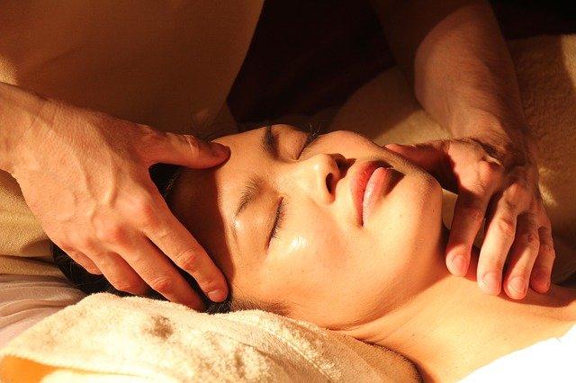 Tantrické masáže navštěvují muži i ženy
