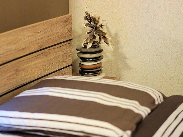 ložní prádlo s pruhy.jpg